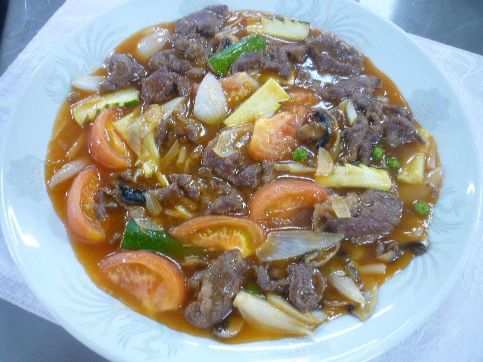 鮮茄牛肉片(牛肉とトマトの炒め物)