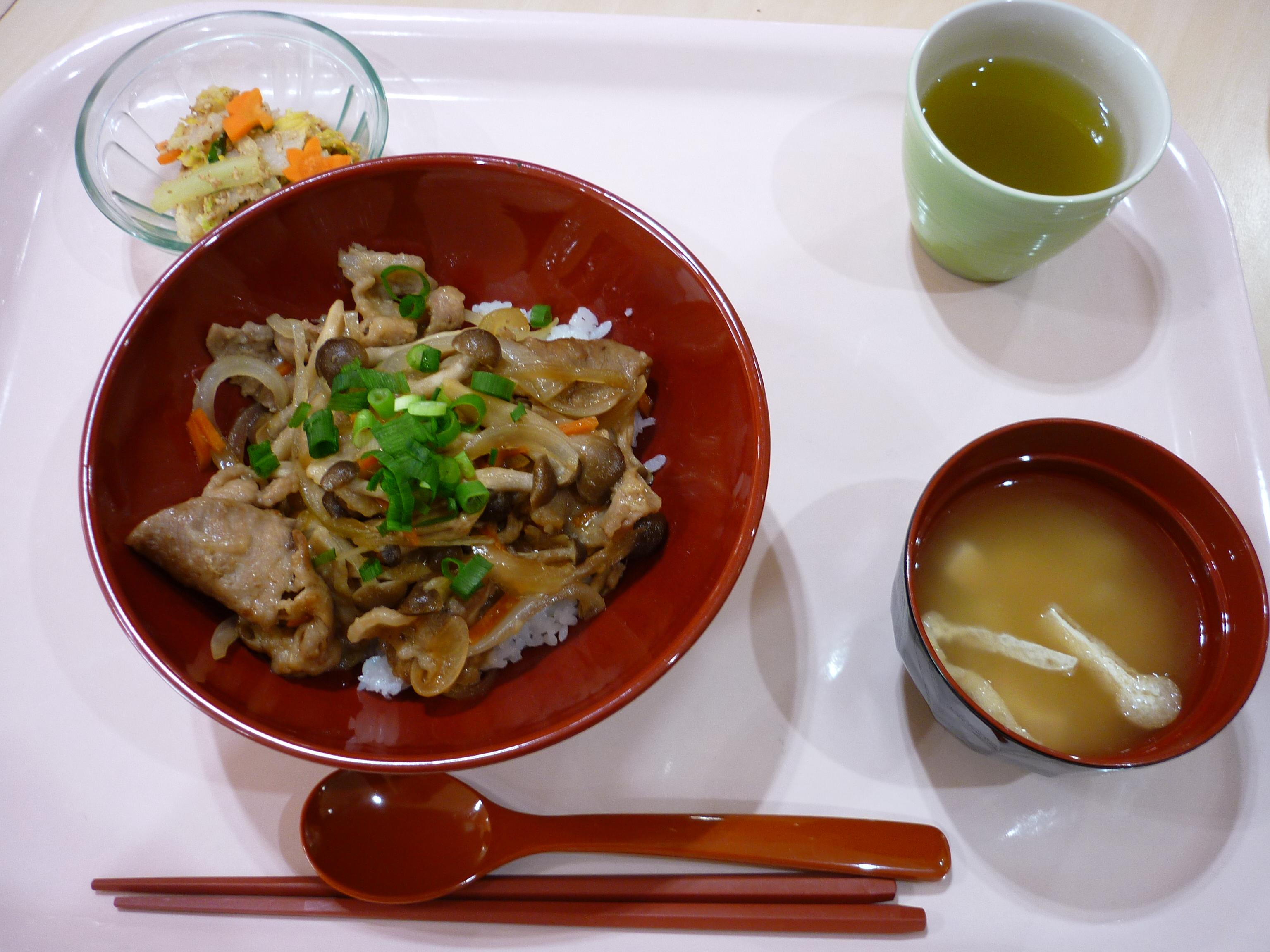 豚丼、白菜のおひたし、味噌汁